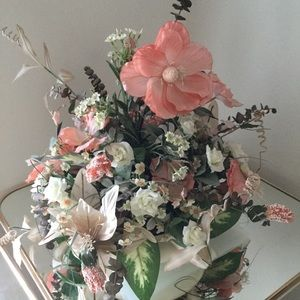 Floral arrangements (choose 1 of 2)